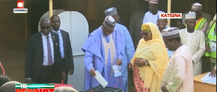 Buhari Casts his Votes alongside his Wife (Pictures) 1