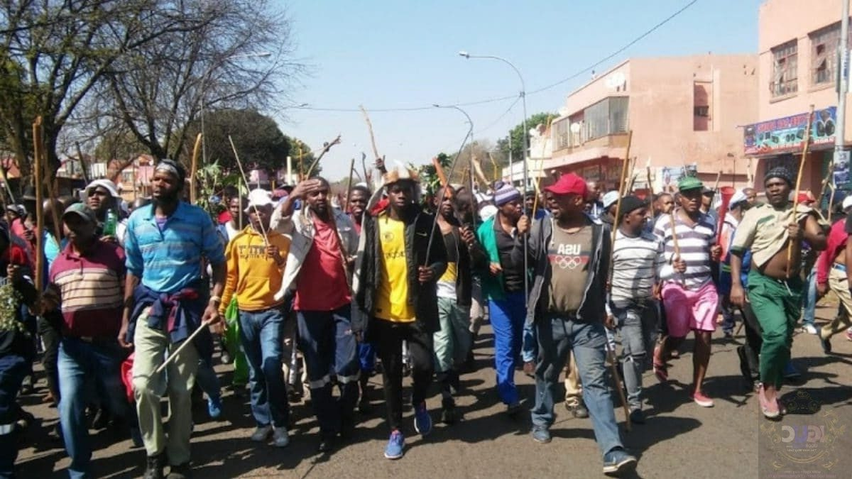 heavy protest in south africa nigerians askedto leave