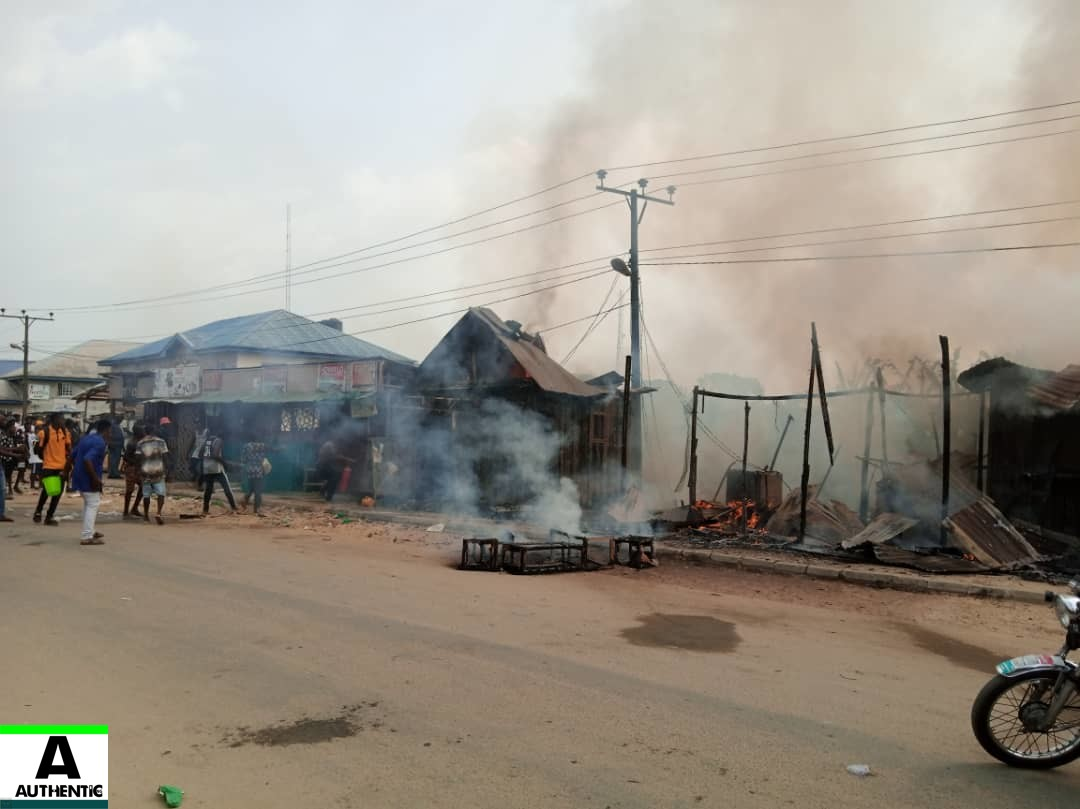 fuotuoke,Fuotuoke fire,heavy fire rocks fuotuoke,Bayelsa fire,nigeria news,Authenticng