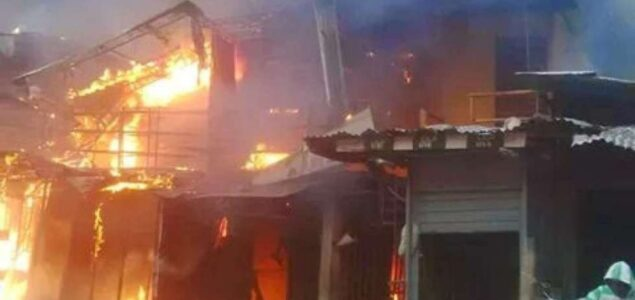 Fire razes warri market 1