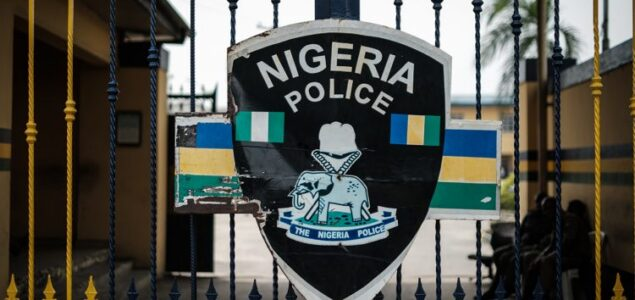 Angry youths attacks police headquarters