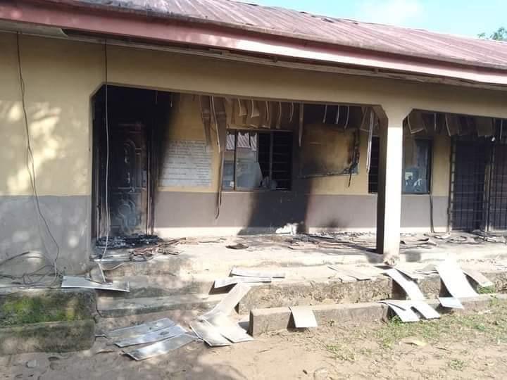 Hoodlums burn down LG headquarters in Abia