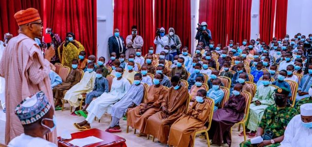 Nigeria President Buhari meets released Kankara School boys