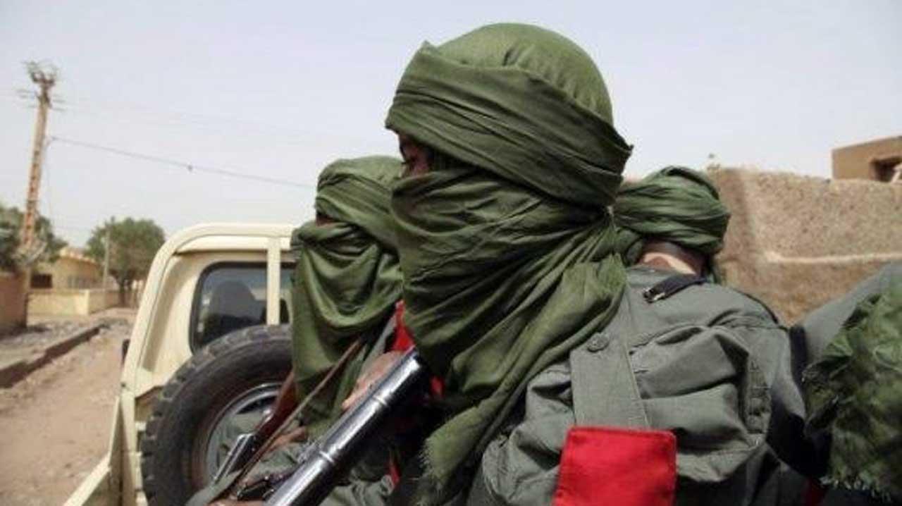 Bandits Ambush Nigerian Army Logistics Convoy, Cart Away N28 Million Cash, Weapons