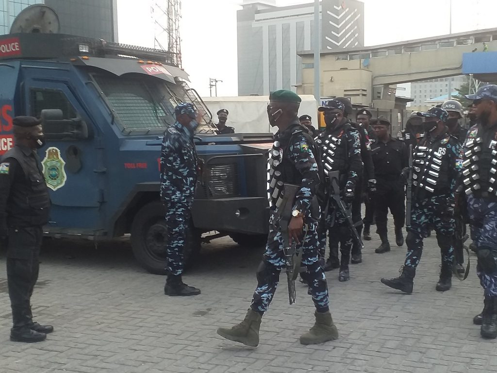 Heavily Kitted Policemen takes over Lekki Toll Gate Ahead of Protest