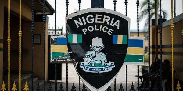 Unknown Gunmen storms Mbieri Divisional Police Headquarters, injure Policemen, frees suspects