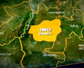 Naked Unknown Gunmen Storms Abia State CID, release Inmates, Kill Police Personnel
