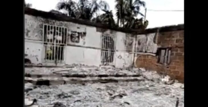 Hoodlums burn houses of ex-Imo AG, Assembly member
