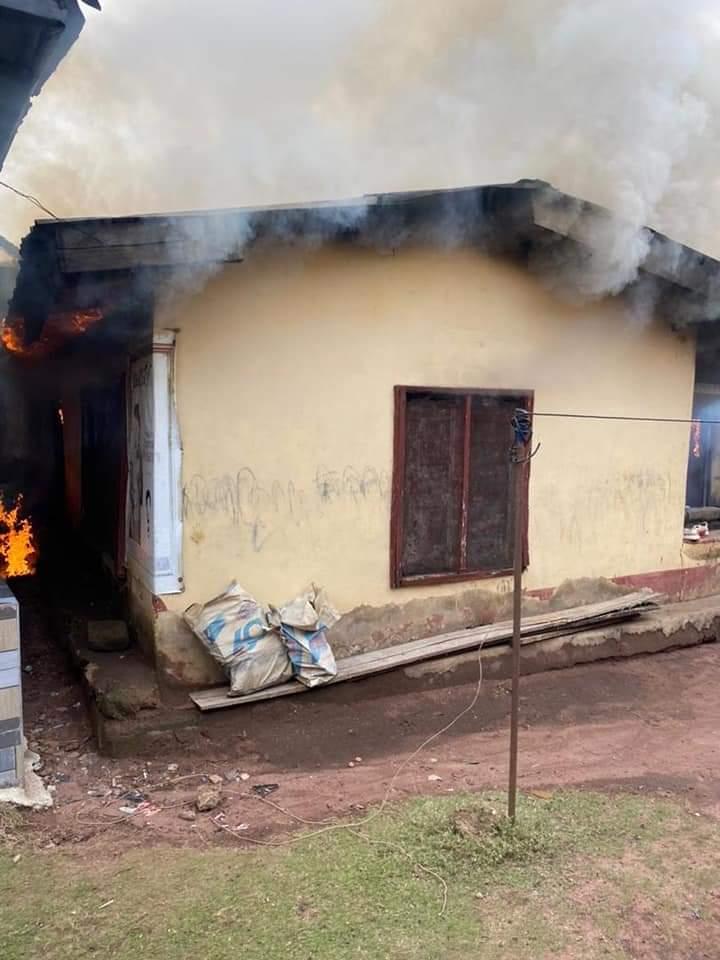 Police dislodge Unknown Gunmen camp in Imo, set buildings ablaze
